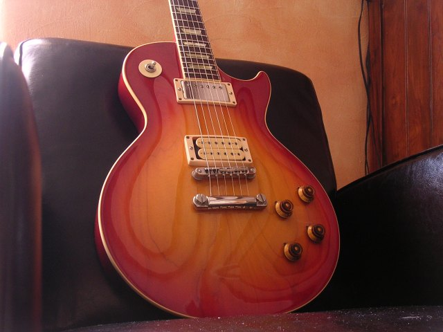 http://babamano.free.fr/Fichiers/Guitare/OrvilleByGibson/ObG.jpg